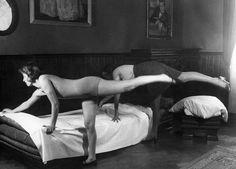 esercizio in voga tra le casalinghe nel 1935, Hulton archive, getty images, Internazionale » Ginnastica vintage