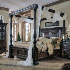 Real Home Inspiration: antique canopy bed curtains only on this page Victorian Bedroom Furniture, Bed Furniture, Wooden Bedroom, Wooden Furniture, Small Bedroom Designs, Modern Bedroom Design, Modern Interior, Modern Design, Interior Design