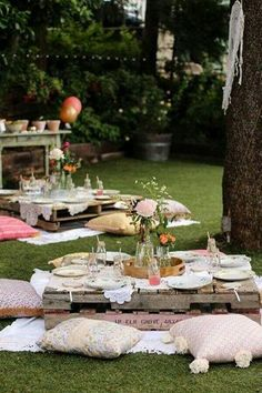 Lovely Boho themed outdoor party - See more amazing party trends for 2016 at B. Lovely Boho themed outdoor party - See more amazing party trends for 2016 at B. Boho Garden Party, Bohemian Party, Garden Picnic, Bohemian Style, Garden Decoration Party, Kids Boho Party, Cocktail Garden Party, Boho Garden Ideas, Boho Themed Party