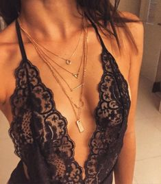 Simple And Elegant Gold Layered Necklace -  #fashion #style #fashionista #jewelry #lookoftheday #chic #layerednecklace - 15,90€ @happinessboutique.com