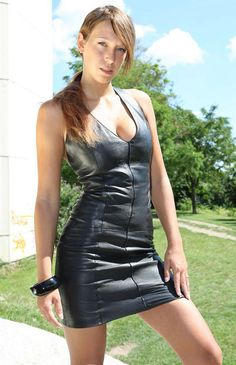 Yes, and you know you love me being a lady looking very sexy in a leather dress. Black Leather Dresses, Leather Mini Skirts, Leather And Lace, Look Fashion, Girl Fashion, Womens Fashion, Fashion Beauty, Sexy Outfits, Fashion Outfits