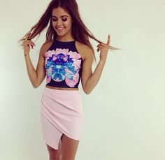 cute and girly outfit. loving that shade of pink and the way it looks with the shades of blue❀