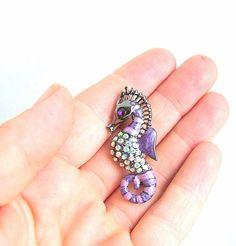 Seahorse brooch...so cute