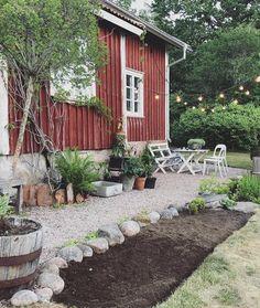 rock garden Carina Olander on Instagra - gardencare Garden Cottage, Home And Garden, Outdoor Spaces, Outdoor Living, Deco Champetre, Dream Garden, Backyard Landscaping, Landscaping Ideas, Hygge