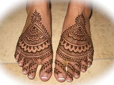 manisha's bridal feet by HennaLounge, via Flickr I want this!