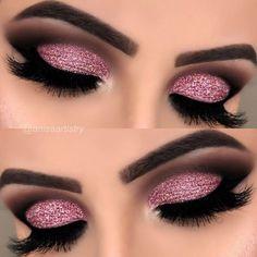 Pink glitter cut crease Details of this look ✨ @bhcosmetics x @ashleytisdale palette, to highlight spotlight palette @blushsparkle dusky…