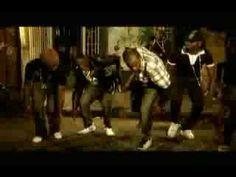 Gully Creepa - stworzony przez ICE (R.I.P.) z Black Roses Crew, spopularyzowany przez Elephant Man'a w 2008r. Taniec oddaje mroczny, gangsterski klimat Jamajki, atmosferę ukrywania się przed policją i skradania w kanałach.