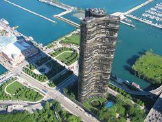 """Il """"Lake Point Tower"""" è un edificio residenziale di Chicago terminato nel 1968 e formato da 3 ali a 120° l' uno dall' altra. Alto 197 metri ed essendo vicino al mare è soggetto a forti venti e per contrastare tale forza è stata costruito un nucleo centrale e triangolare largo 18 metri, che contiene tutto il peso verticale dell' edificio, permettendo una dimensione minore dei pilastri perimetrali. 9 ascensori e 3 scale al suo interno."""