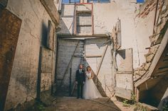 Harsh wedding portrait - industrial, romantic and beautiful location! www.jeresatamo.com Cute Couples Photos, Couple Photos, Creative Photos, Wedding Shoot, Couple Photography, Wedding Portraits, September, Photoshoot, In This Moment