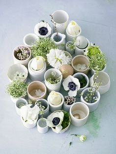 Spring Centerpiece | egg cups with moss, flowers and eggs