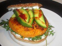 En verden af smag!: Veggie Burger med Gulerod og Sesam