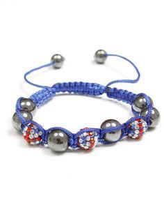 Venu du Tibet, vite adopté par les stars du monde entier, le bracelet Shamballa est indispensable ! Karl himself en porte ! #LeGuide.com