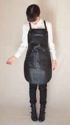 Handcrafted leather apron in classic Black Petite Cut by StudioBT