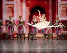 Marianela Nunez, grand jete soloists of the Kremlin Ballet in La Bayadere