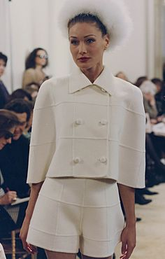 Prada Fall/Winter 1992 Womenswear fashion show. Visit the official website to watch the video, run through the looks and the showspace pictures. Couture Fashion, Runway Fashion, Fashion Show, Womens Fashion, Fashion Fashion, Fashion Brands, Mode Outfits, Fashion Outfits, Fashion Hacks