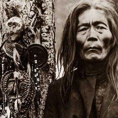 The shaman Fedor Poligus and his helper spirits Eastern Siberia Enisei Guberniya 1907 - 1908 (Collection of the Russian Museum of Ethnography) Salvia Divinorum, Shaman Woman, Siberia, Native American Art, First Nations, People Around The World, Healer, Wicca, Character Inspiration
