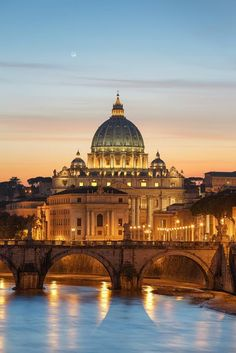 Wonderful view of St. Peter's #Basilica which is located in #vaticancity , #Italy .