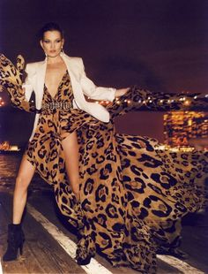 I used to hate leopard print, but now that im older, i like it ( in the right outfit ofcourse )!