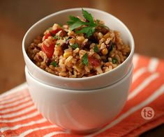 Black Bean and Rice Salad Recipe │ A summer salad mixed with rice that is great for picnics and summer night meals.