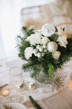 Wir träumen von einer weißen Weihnacht Art Nouveau Tiles, Christmas Mood, Vintage Art, Wedding Flowers, Table Decorations, Winter, Home Decor, Chrysanthemums, Ideas For Christmas
