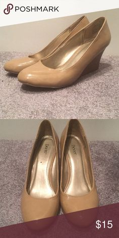 Size 9 nude Dexter close-toed heels. Gently used. Dexter Shoes Wedges