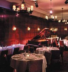 The Oak Room Cabaret formerly at the Algonquin Hotel, New York. Its closing was just announced. Nyc Hotels, Nyc Restaurants, Algonquin Round Table, Algonquin Hotel, Cambridge Street, Bar Fancy, Jazz Bar, Piano Bar, Places In New York