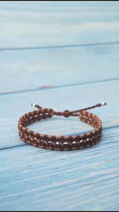 Diy Bracelets Patterns, Macrame Bracelet Patterns, Diy Friendship Bracelets Patterns, Diy Bracelets Easy, Bracelet Crafts, Braided Bracelets, Bracelet Designs, Handmade Bracelets, Macrame Jewelry Tutorial