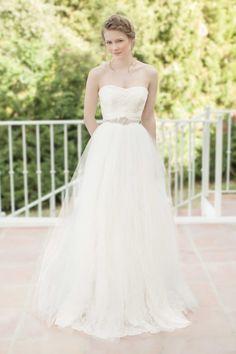NAOMI Weddingdress. (www.sadoni.no)
