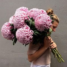 Just picked mammoth sized chrysanthemum bunch. katiemarxflowers is one of our favorites. Happy Sunday.