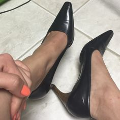 Authentic Gucci pumps  authentic Gucci pumps, used in good condition size 7.5 fits true to size! Bottoms show normal wear. 2.5 inch heel.black leather. Gucci Shoes Heels