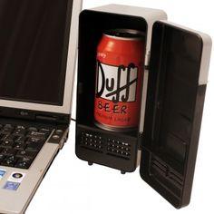 Ce mini Frigo USB et l'accessoire qu'il vous faut cet été, parfait pour donner toute sa fraîcheur a votre bière ou autre boisson.