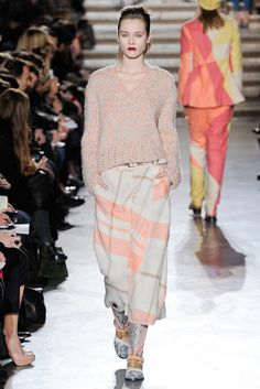 Missoni Fall 2011 Ready-to-Wear Collection Slideshow on Style.com