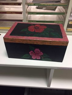 Decorative Boxes, Objects, Arts And Crafts, My Arts, Painting, Home Decor, Decoration Home, Room Decor, Craft Items