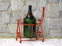 """Tombador de garrafão! Um brinde a preguiça de ter que virar o garrafão com as duas mãos e apoiado na costela.  Porém evita maiores """"transbordamentos""""  Divirta-se!"""