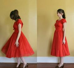 bridesmaid vintage party dress red short sleeve full skirt cupcake designer party dress with bow. 1950s Party Dresses, 1950s Fashion Dresses, Designer Party Dresses, 50s Dresses, Fashion Outfits, Dress With Bow, Dress Up, Vintage Prom, Vintage Stuff