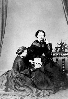 Princess Helena and Princess Louise, July 1862 [in Portraits of Royal Children Queen Victoria Descendants, Queen Victoria Family, Queen Victoria Prince Albert, Royal Life, Royal House, Victoria And Albert Children, Queen Victoria's Daughters, Victoria's Children, Kids