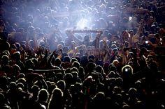 Milhares de pessoas encheram por completo a zona da rotunda do Marquês de Pombal. Os jogadores festejaram com os adeptos. Vieira falou na vitória de todos. E Renato Sanches foi o rei.
