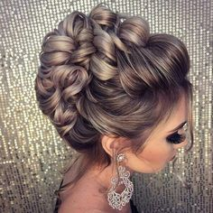 Hochzeitsfrisuren - # Highly Pinned - Tattoo Crafts - Garden Decor DIY - DIY Bathroom Ideas - Formal Hairstyles - DIY Jewelry To Sell Bridal Hair Updo, Wedding Hair And Makeup, Hair Makeup, Hairstyle Wedding, Bride Hairstyles, Trendy Hairstyles, Layered Hairstyles, Beautiful Hairstyles, Hairstyles Haircuts