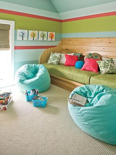 love this for a playroom - A built-in daybed (sized to fit two twin mattresses) makes a comfy sofa and also doubles as extra sleeping for guests/slumber parties.