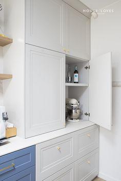 Projekt NAVY - granatowa, elegancka kuchnia w klasycznym stylu Kitchen Furniture, Kitchen Interior, Kitchen Design, Furniture Design, Kitchen Ideas, Kitchenaid, Luxury Homes, Kitchen Cabinets, House