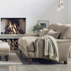 *Affiliate Pin saved from The White Company Westbury Throw Living Room Styles, Living Room Grey, Living Room Interior, Living Room Decor, Living Spaces, Country Interior, Country Furniture, Home Furniture, Home Renovation Loan
