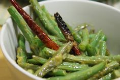 snack: food made and eaten Purple Kitchen, Kaffir Lime, Healthy Choices, Green Beans, Nom Nom, Side Dishes, Snacks, Vegetables, Eat