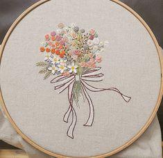 #꽃다발 #금오산산책길 #자수나무 #embroidery#구미프랑스자수 #창작도안 입니다. #도용 하지 마요~#구미프랑스자수