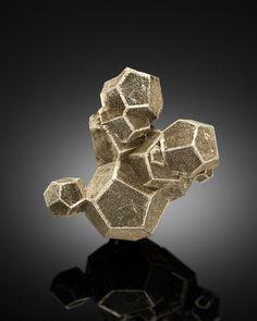 Pyrite. Ground Hog Mine, Gilman, Eagle County, Colorado Taille=2.7 cm Collection…