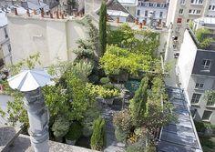 Rares et convoités, les appartements avec terrasse se vendent, au cœur des villes, plus cher et plus vite. Paysagistes, experts en étanchéité et végétalisation, mais aussi agences immobilières spécialisées fleurissent, pour valoriser cette nouvelle «pièce à vivre».