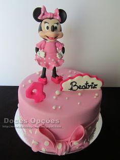 Doces Opções: A Minnie no 4º aniversário da Beatriz Cake, Disney, Desserts, Food, Decorating Cakes, Sweets, Tailgate Desserts, Deserts, Kuchen