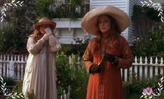 I've found my costume for the Gardener Village witch festival.  I love these elegant garden witches from Practical Magic.