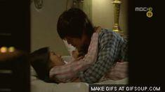 Kim Hyun Joong como Baek Seung Jo y Jung So Min como Oh Ha Ni. Playful Kiss, Anime K, Baek Seung Jo, Drama Gif, Itazura Na Kiss, Best Kdrama, Jung So Min, Love K, Asian Love
