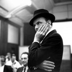 Frank Sinatra NY, NY My dad's all time favorite singer Hollywood Stars, Classic Hollywood, Old Hollywood, Dean Martin, Tommy Dorsey, John Wilson, Raquel Welch, Junior, Greatest Songs