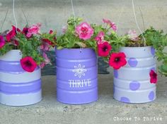 DIY your own hanging baskets out of formula cans. I have a ton of formula cans! Coffee Can Crafts, Tin Can Crafts, Diy Crafts, Hanging Flower Baskets, Diy Hanging, Hanging Planters, Outdoor Planters, Recycle Cans, Repurpose